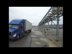 Trucking Old School : tight ass bridge